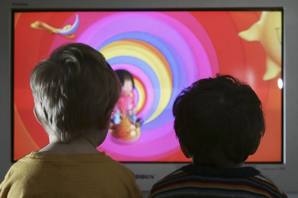Too Much Screen Time May Raise Kids' Diabetes Risk