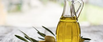 High olive oil consumption linked to lower breast cancer risk